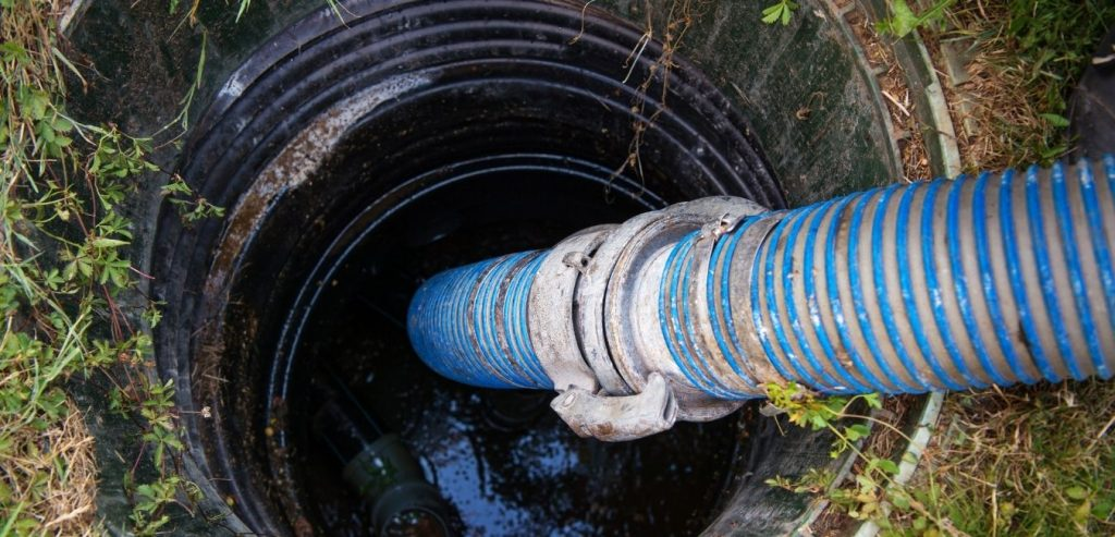 how to clean septic tank naturally